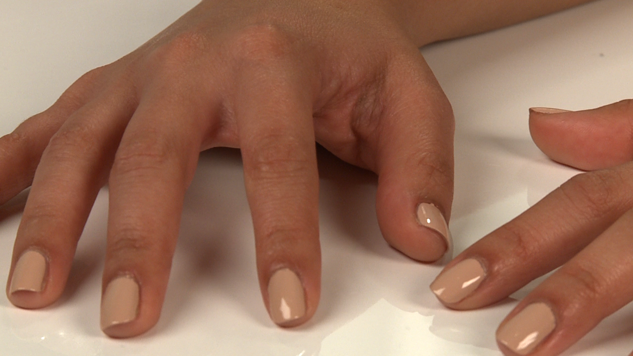 Nude-Nail-Colors-Your-Skin-Tone